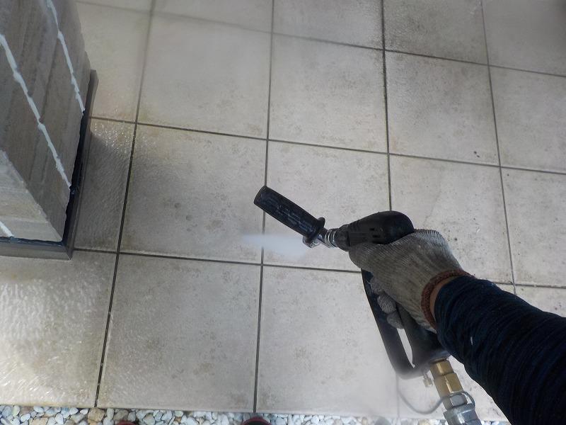 玄関ポーチの高圧洗浄