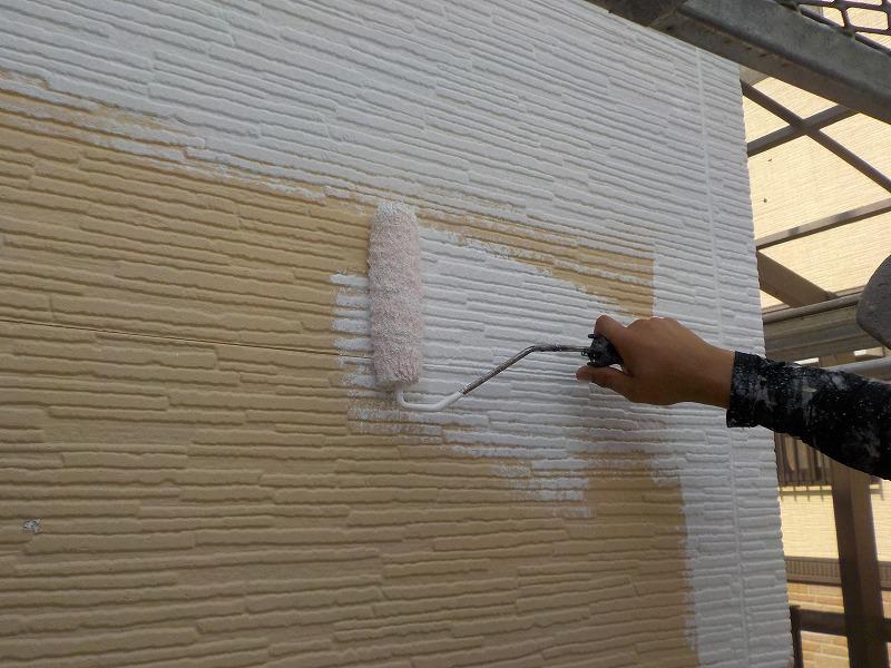 外壁(平パネル)の下塗り