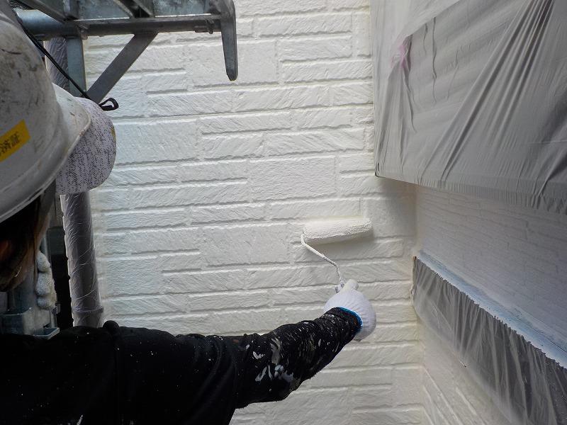 外壁(レンガ調)の上塗り