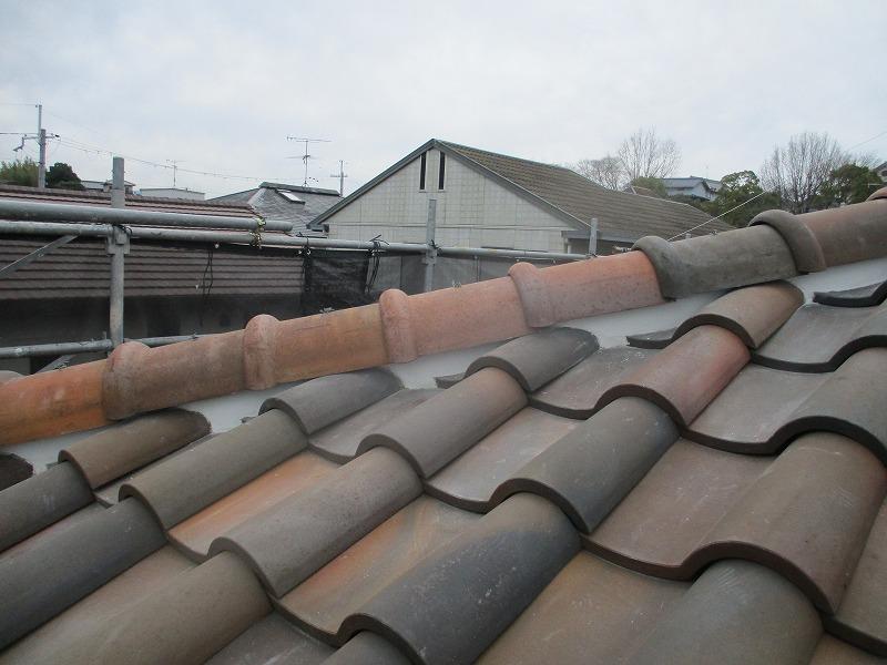 詰め直しを行った屋根の漆喰