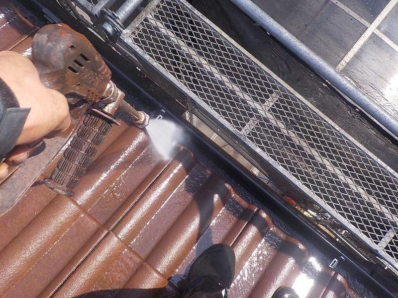 樋内の高圧洗浄