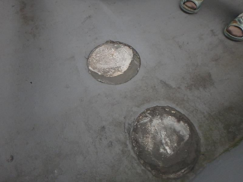 防水層が捲れた屋上