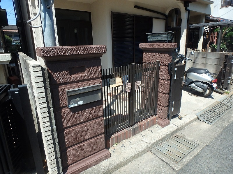 塗り替え後の門扉