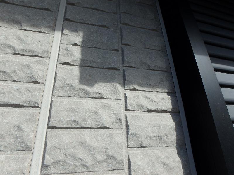 デザイン性のある御影石のようなトヨタホームの外壁