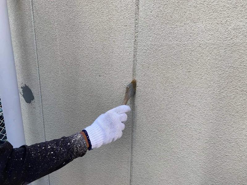 外壁目地プライマー塗布