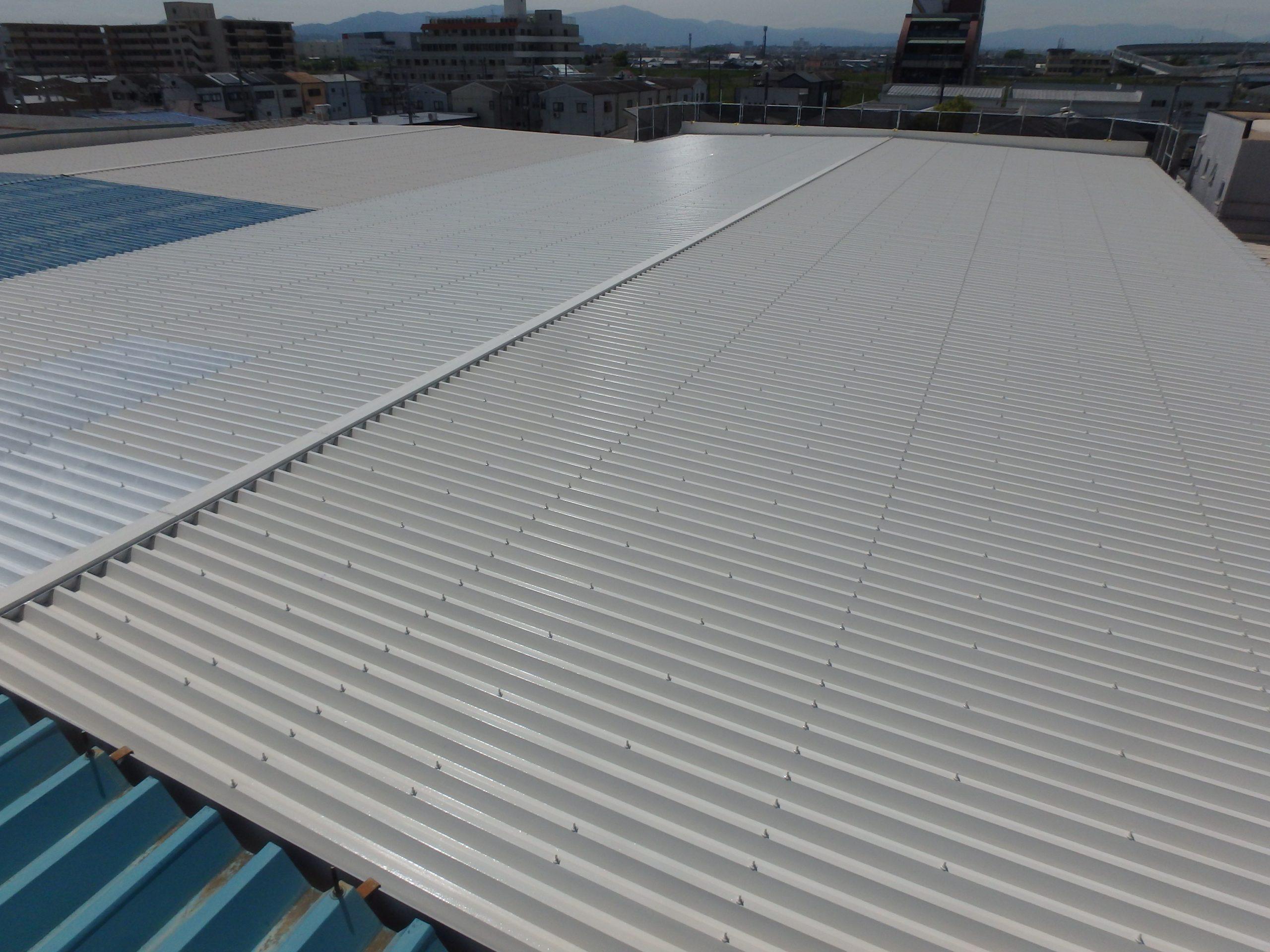 折板屋根塗装完成