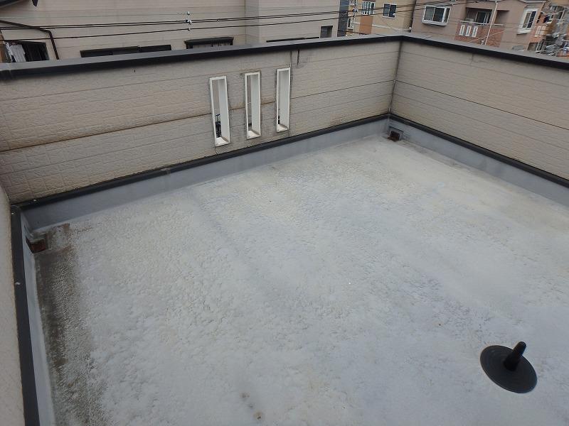 屋上の防水工事前の防水層