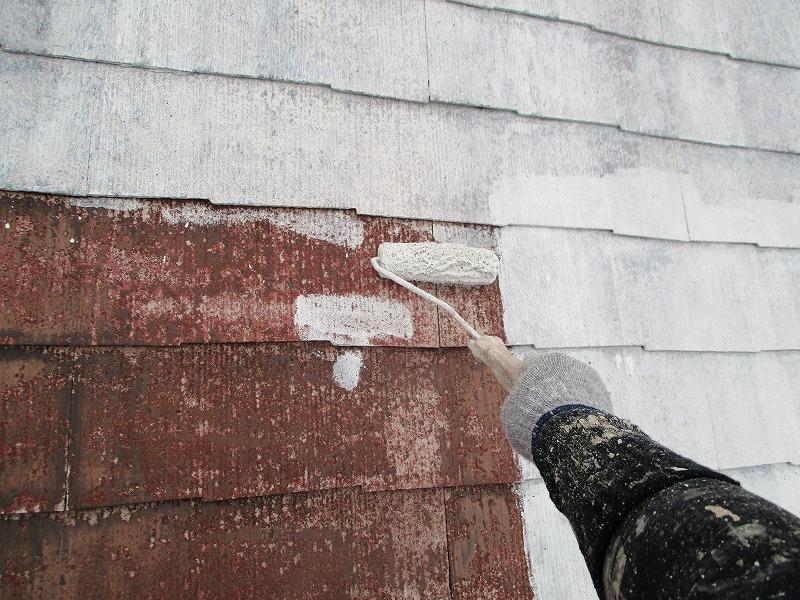屋根塗装 ベスコロフィラーでの下塗り