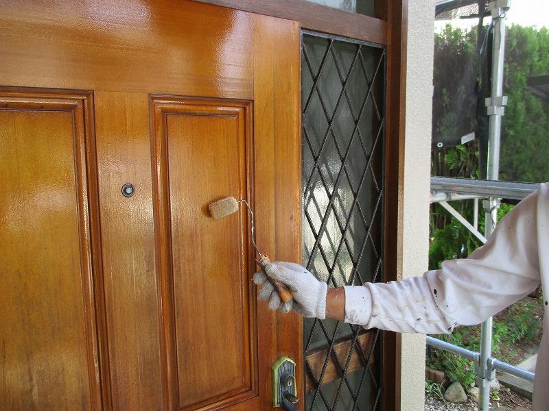 玄関ドア付帯塗装