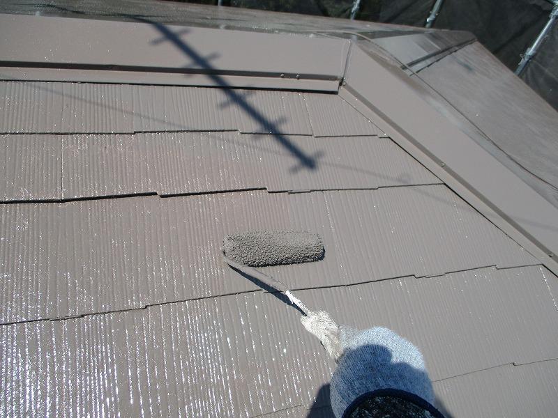 屋根塗装アレスクールでの上塗り