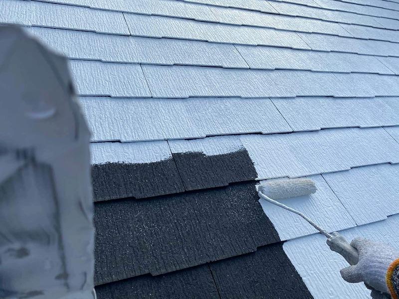 屋根の下塗り工程