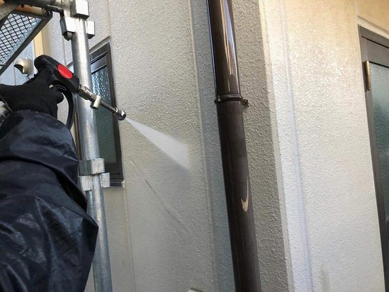 外壁塗り替え前の高圧洗浄工事
