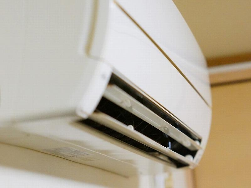 外壁塗装中に臭い対策にエアコン使用がおすすめ