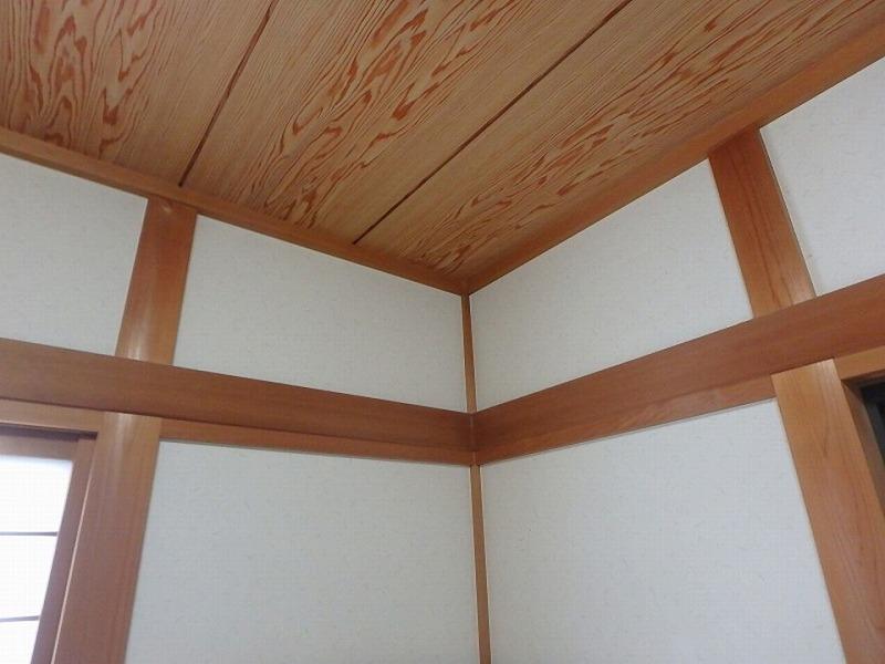 八尾市1階和室の雨漏り跡