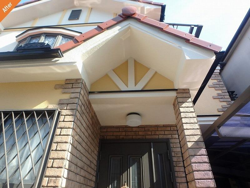 【外壁塗装後】玄関廻りと軒天