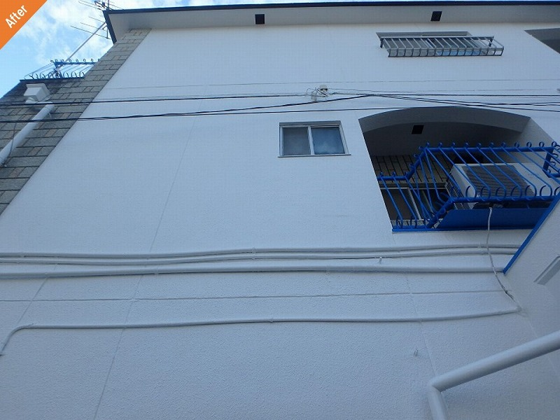 外壁塗装後のひび割れ補修箇所