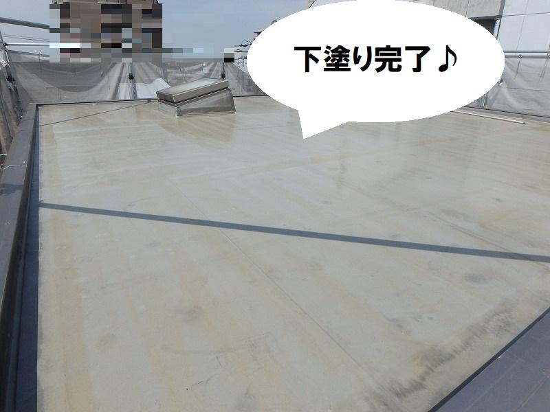 堺市にて遮熱塗料での屋上防水工事 下塗り・プライマー完了