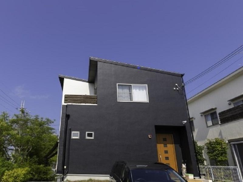 色褪せしにくい外壁は黒